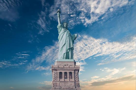 雙喜臨門!僑外美國移民曼哈頓