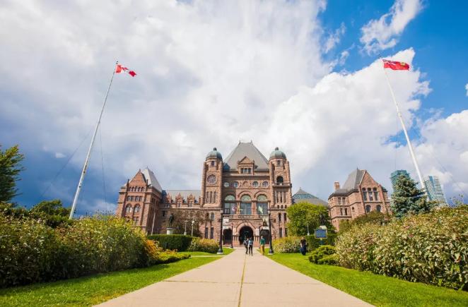 移民盘点   只需44万人民币的加拿大留学转移民,究竟适合哪些人?